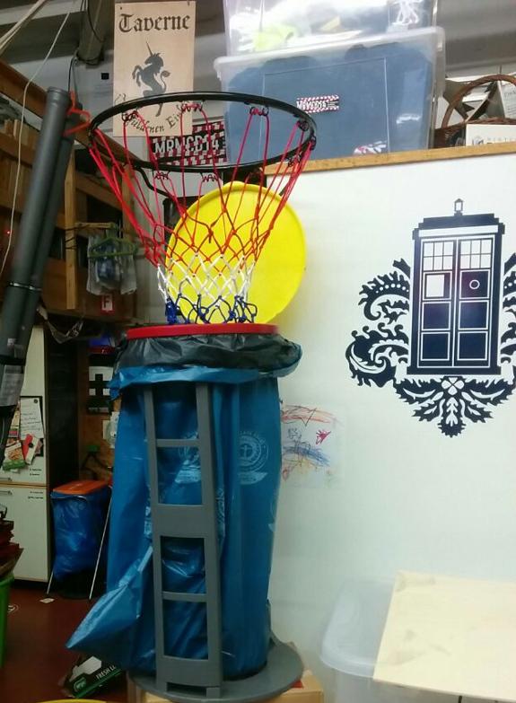 MRMCD 2015 Basketballkorb mit Flaschensammler